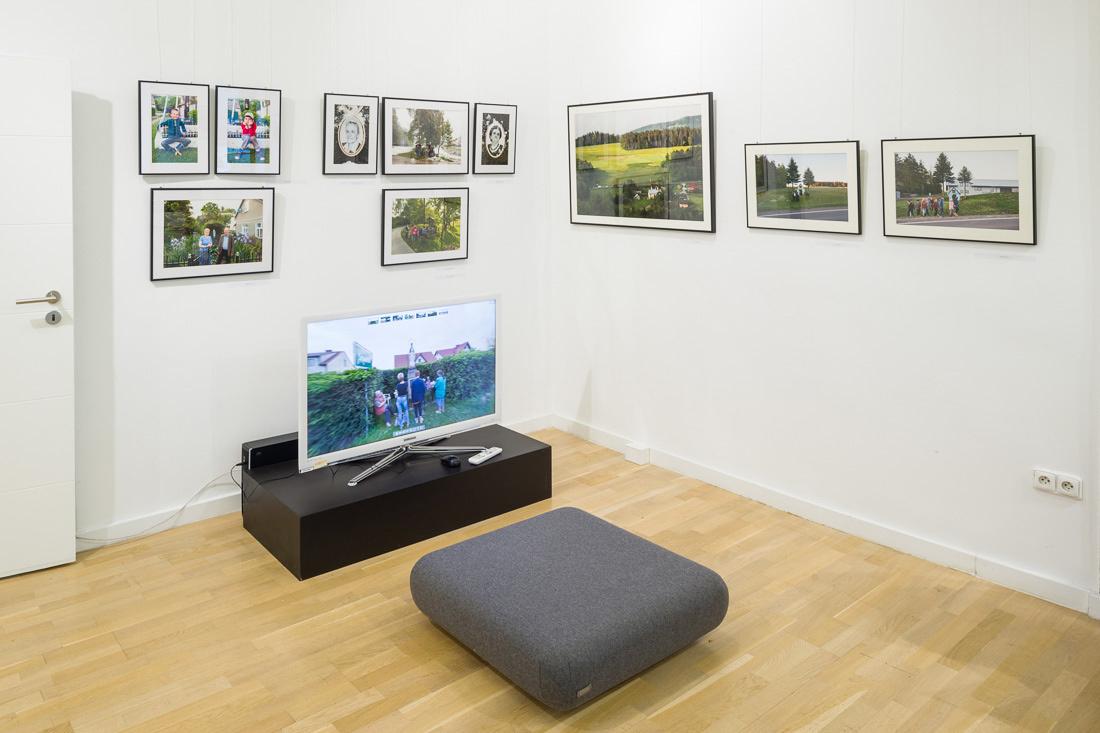 Fragment wystawy: fotografie i ekran z panoramami 3D, fot. K. Ligęza