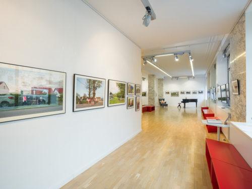<em>Axis mundi: kapliczki i krzyże przydrożne</em><br> w galerii Instytutu Polskiego w Bratysławie